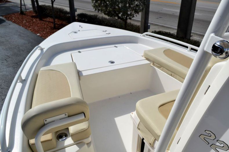 Thumbnail 14 for New 2019 Pathfinder 2200 TRS Bay Boat boat for sale in Vero Beach, FL