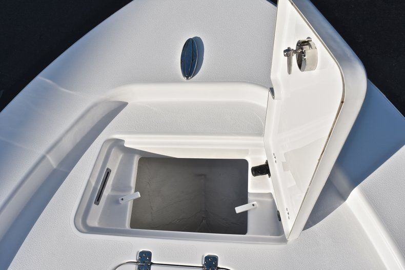 Thumbnail 68 for New 2019 Sportsman Masters 267 Bay Boat boat for sale in Vero Beach, FL