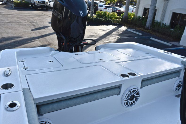 Thumbnail 14 for New 2019 Sportsman Masters 267 Bay Boat boat for sale in Vero Beach, FL