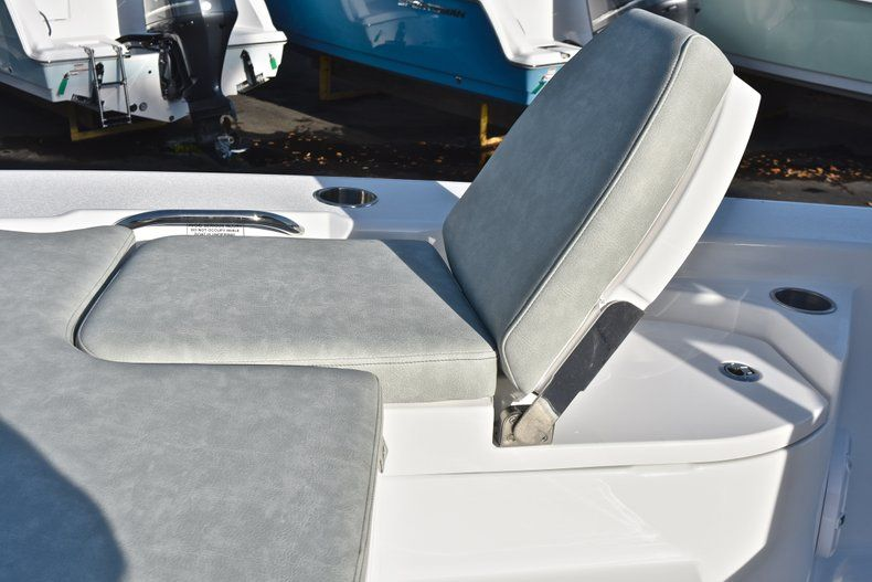 Thumbnail 61 for New 2019 Sportsman Masters 267 Bay Boat boat for sale in Vero Beach, FL