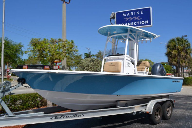 Thumbnail 1 for New 2019 Sportsman Masters 227 Bay Boat boat for sale in Vero Beach, FL