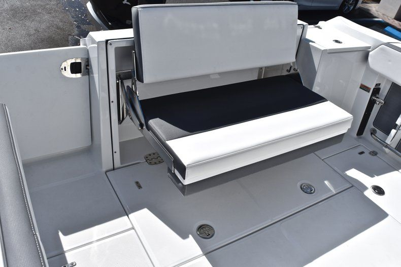 Thumbnail 20 for New 2019 Blackfin 242CC Center Console boat for sale in Fort Lauderdale, FL
