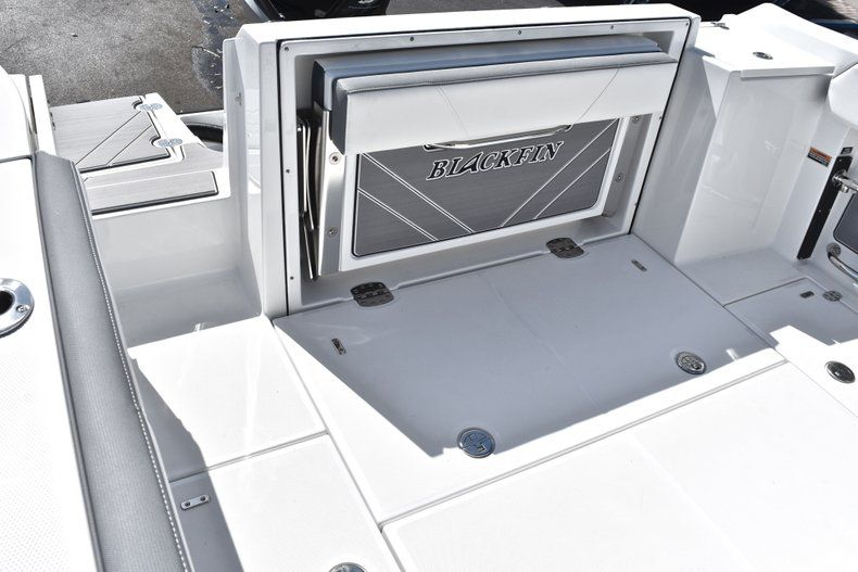Thumbnail 15 for New 2019 Blackfin 242CC Center Console boat for sale in Fort Lauderdale, FL