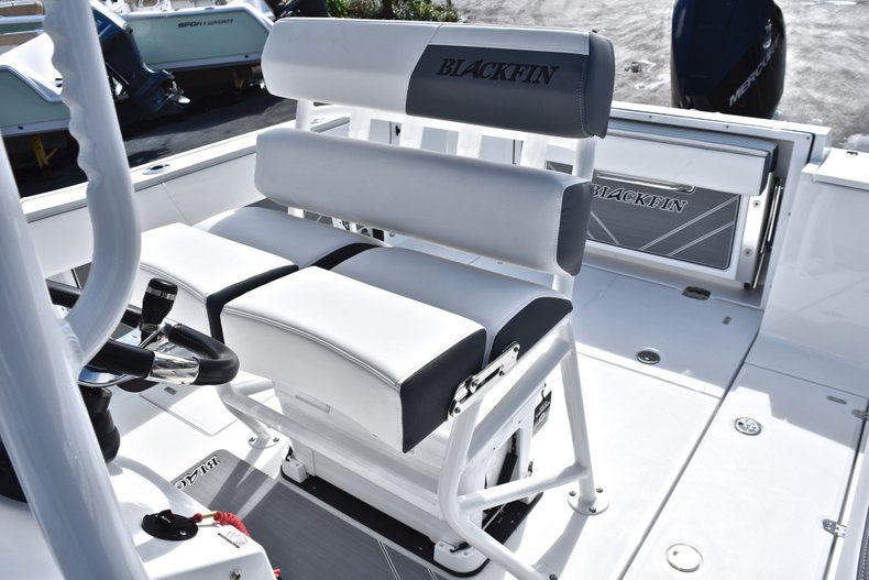Thumbnail 31 for New 2019 Blackfin 242CC Center Console boat for sale in Fort Lauderdale, FL