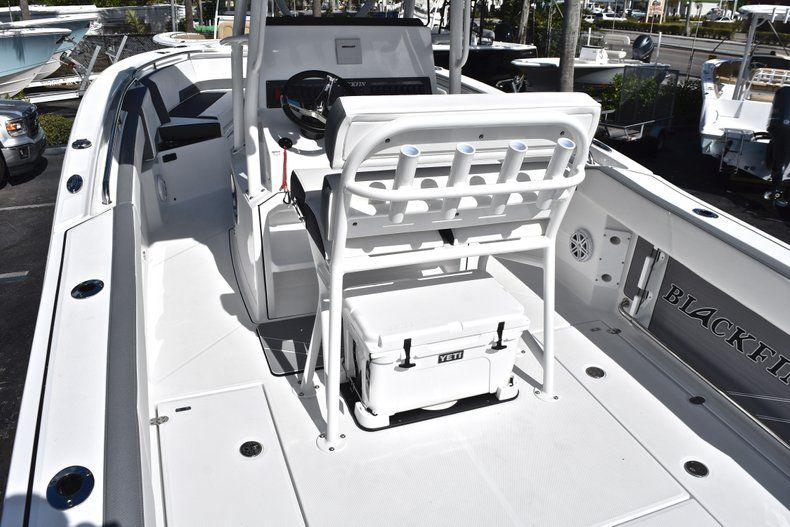 Thumbnail 14 for New 2019 Blackfin 242CC Center Console boat for sale in Fort Lauderdale, FL