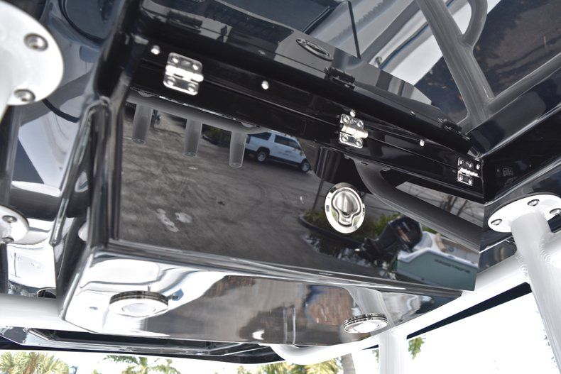 Thumbnail 35 for New 2019 Blackfin 242CC Center Console boat for sale in Fort Lauderdale, FL