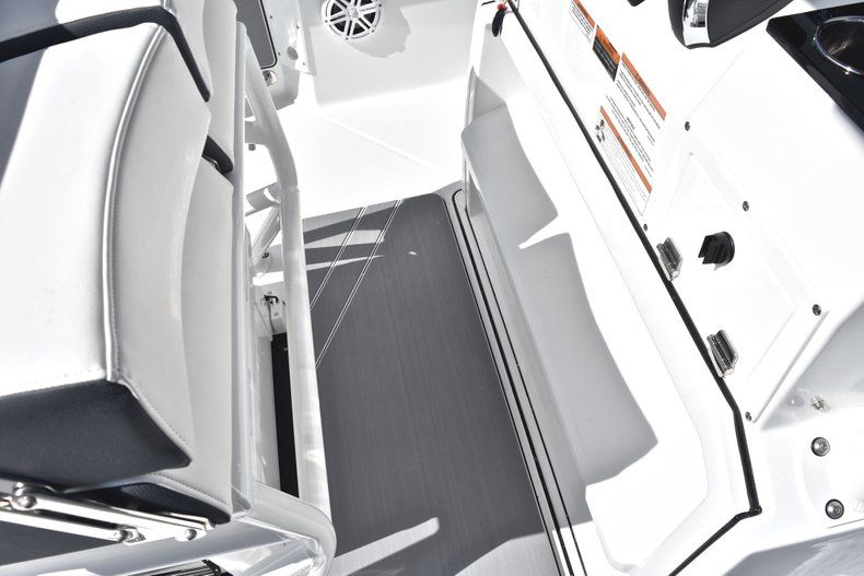 Thumbnail 47 for New 2019 Blackfin 242CC Center Console boat for sale in Fort Lauderdale, FL