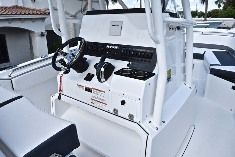 Thumbnail 38 for New 2019 Blackfin 242CC Center Console boat for sale in Fort Lauderdale, FL