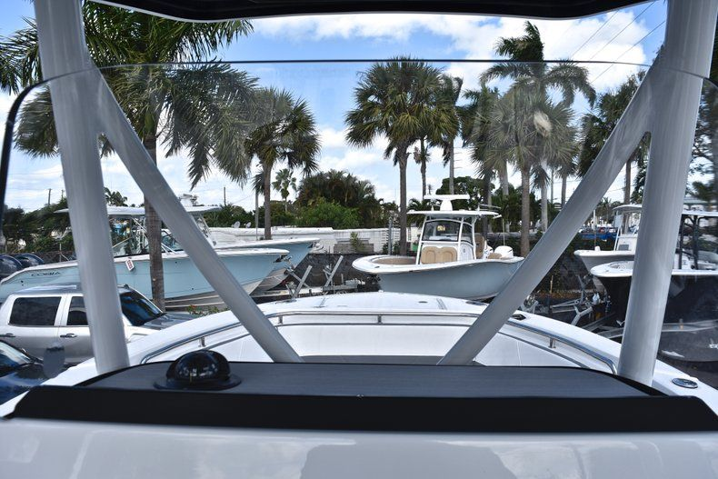 Thumbnail 37 for New 2019 Blackfin 242CC Center Console boat for sale in Fort Lauderdale, FL