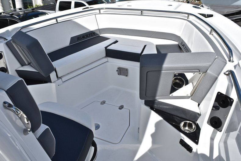 Thumbnail 55 for New 2019 Blackfin 242CC Center Console boat for sale in Fort Lauderdale, FL