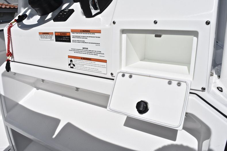 Thumbnail 48 for New 2019 Blackfin 242CC Center Console boat for sale in Fort Lauderdale, FL
