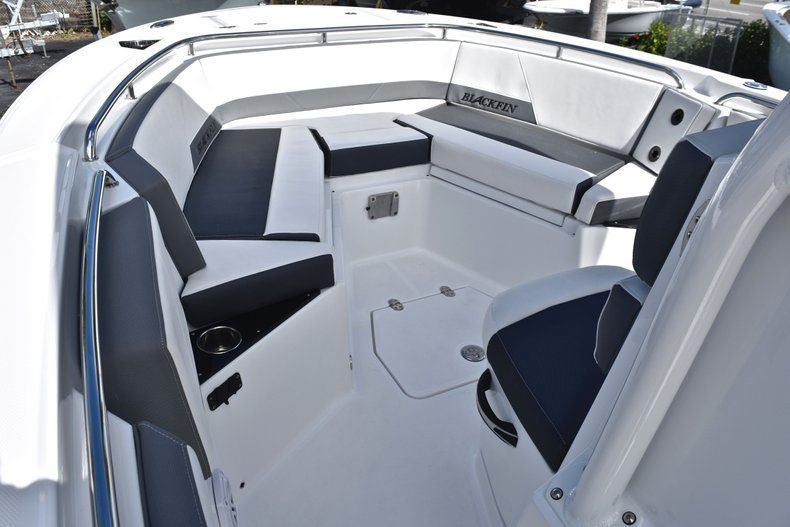Thumbnail 49 for New 2019 Blackfin 242CC Center Console boat for sale in Fort Lauderdale, FL