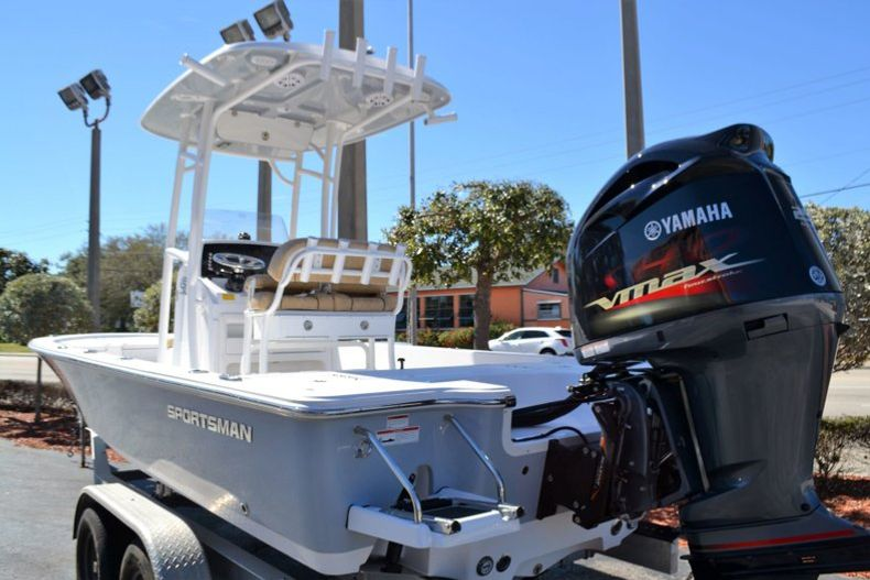Thumbnail 3 for New 2019 Sportsman Tournament 234 Bay boat for sale in Vero Beach, FL