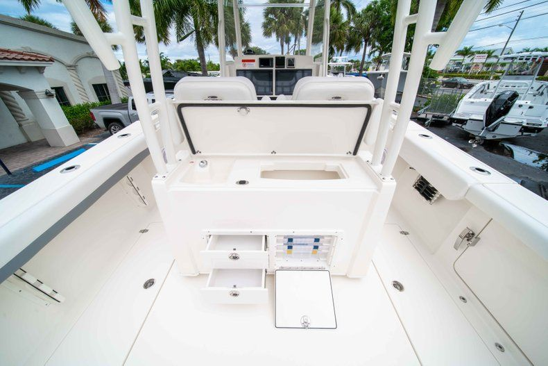 Thumbnail 11 for New 2019 Cobia 320 Center Console boat for sale in Vero Beach, FL