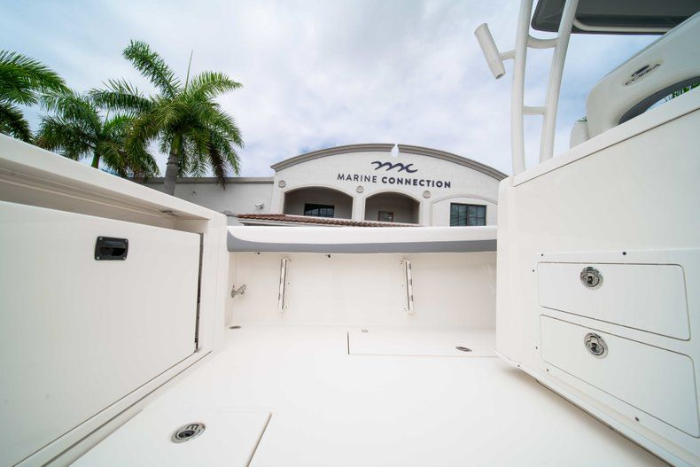 Thumbnail 20 for New 2019 Cobia 320 Center Console boat for sale in Vero Beach, FL