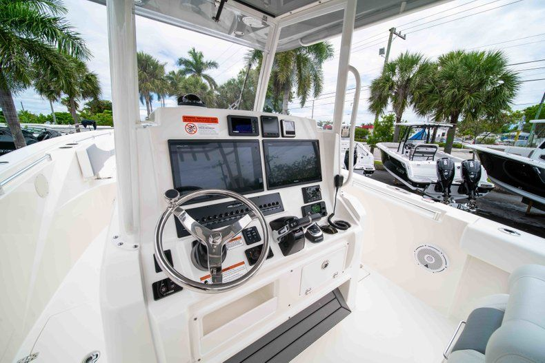 Thumbnail 33 for New 2019 Cobia 320 Center Console boat for sale in Vero Beach, FL