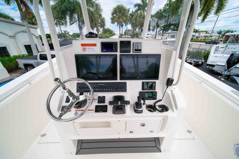 Thumbnail 31 for New 2019 Cobia 320 Center Console boat for sale in Vero Beach, FL