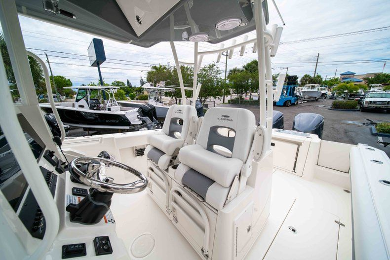 Thumbnail 35 for New 2019 Cobia 320 Center Console boat for sale in Vero Beach, FL