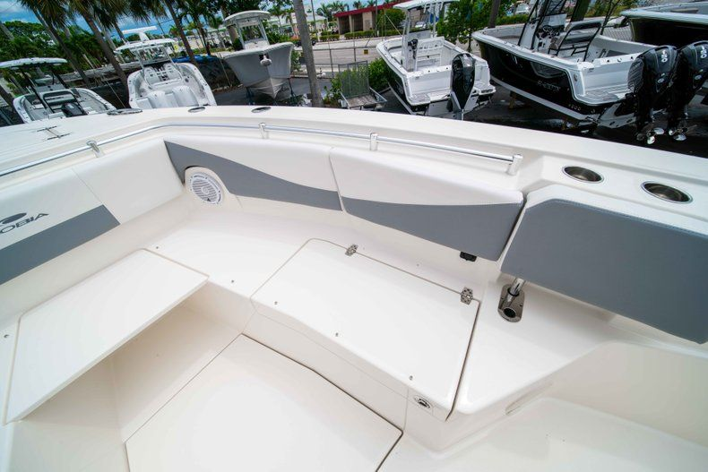 Thumbnail 48 for New 2019 Cobia 320 Center Console boat for sale in Vero Beach, FL