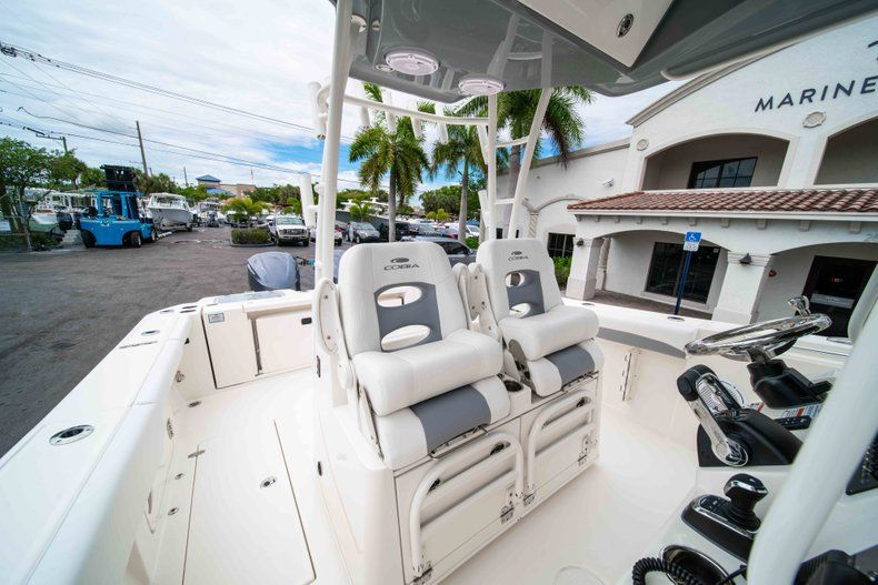 Thumbnail 38 for New 2019 Cobia 320 Center Console boat for sale in Vero Beach, FL