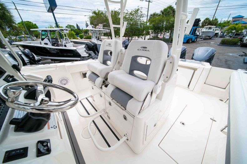 Thumbnail 37 for New 2019 Cobia 320 Center Console boat for sale in Vero Beach, FL