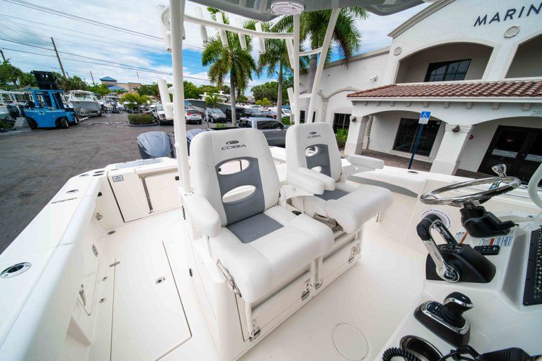 Thumbnail 39 for New 2019 Cobia 320 Center Console boat for sale in Vero Beach, FL