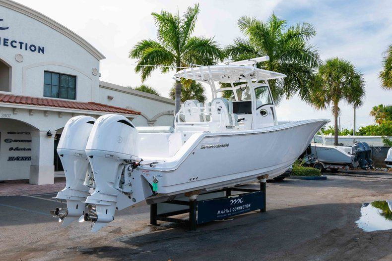 Thumbnail 7 for New 2019 Sportsman Open 312 Center Console boat for sale in Miami, FL