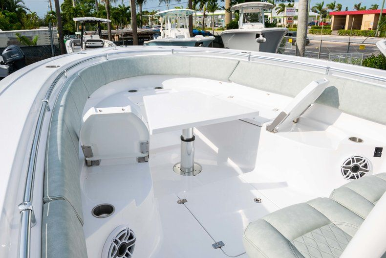 Thumbnail 37 for New 2019 Sportsman Open 312 Center Console boat for sale in Miami, FL