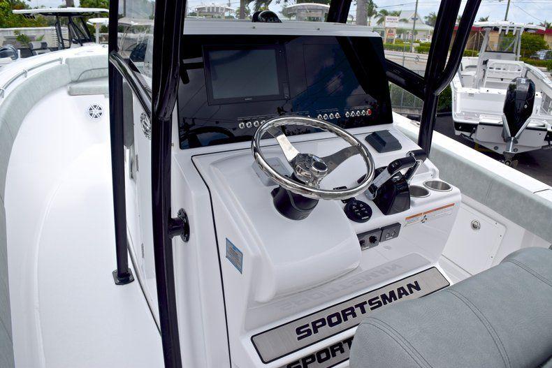 Thumbnail 42 for New 2019 Sportsman Open 282 TE Center Console boat for sale in Vero Beach, FL