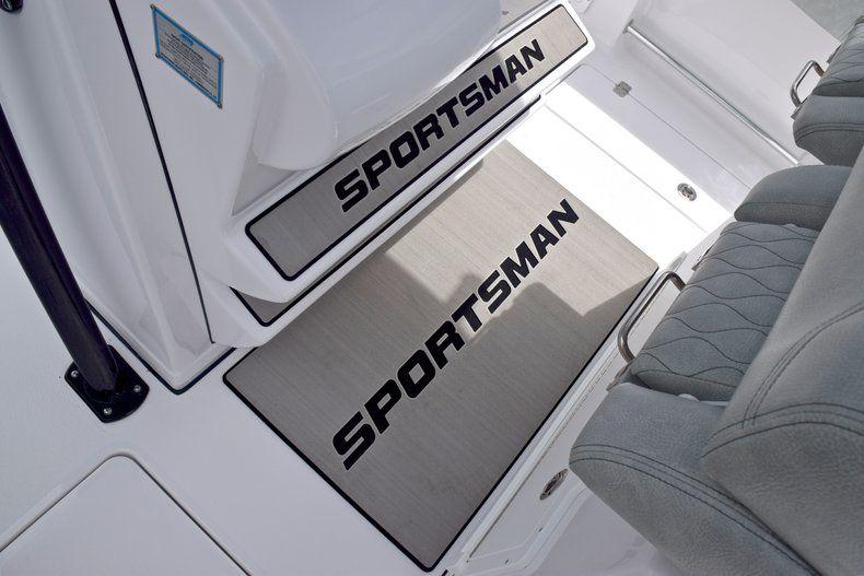 Thumbnail 52 for New 2019 Sportsman Open 282 TE Center Console boat for sale in Vero Beach, FL