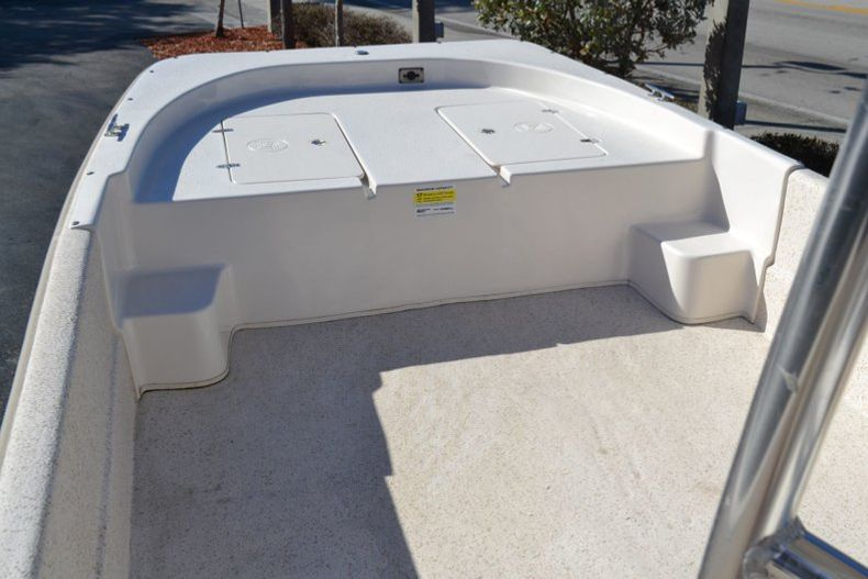 Thumbnail 12 for New 2019 Carolina Skiff 2480 DLX boat for sale in Vero Beach, FL