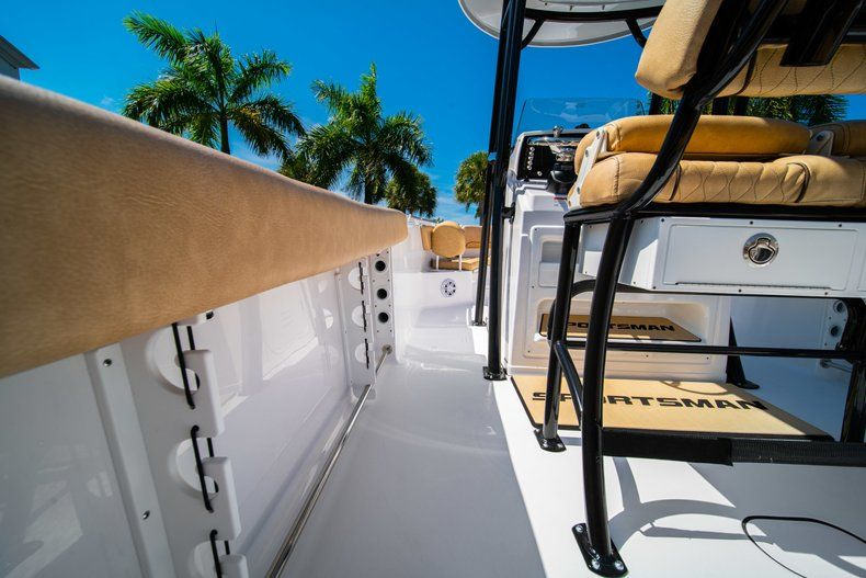 Thumbnail 18 for New 2019 Sportsman Heritage 231 Center Console boat for sale in West Palm Beach, FL