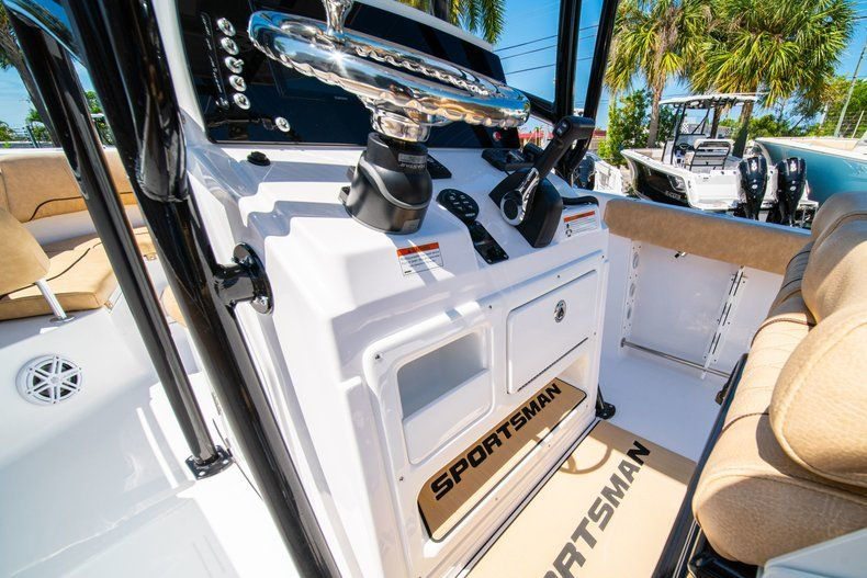 Thumbnail 27 for New 2019 Sportsman Heritage 231 Center Console boat for sale in West Palm Beach, FL