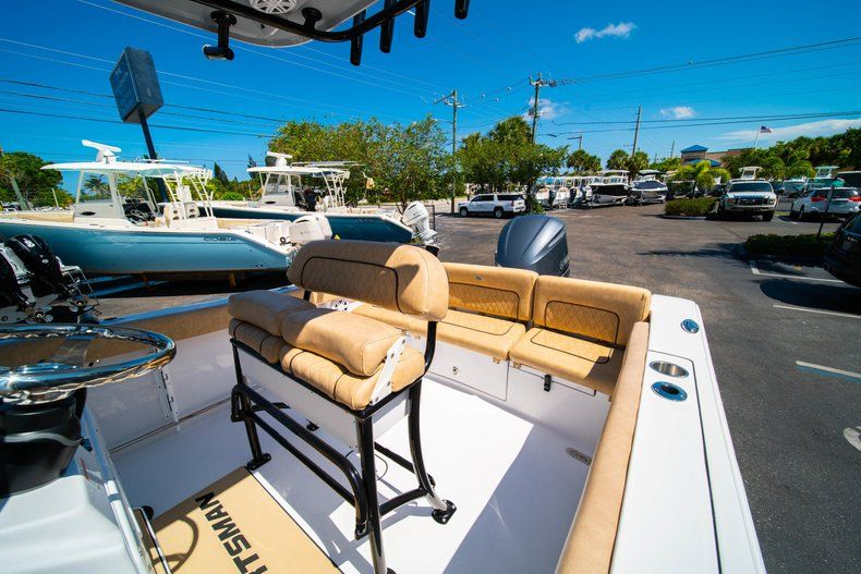 Thumbnail 31 for New 2019 Sportsman Heritage 231 Center Console boat for sale in West Palm Beach, FL