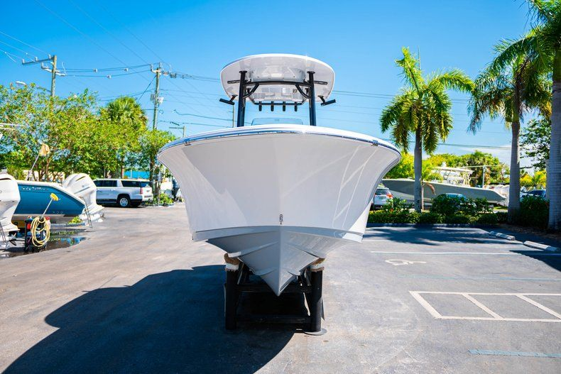 Thumbnail 2 for New 2019 Sportsman Heritage 231 Center Console boat for sale in West Palm Beach, FL