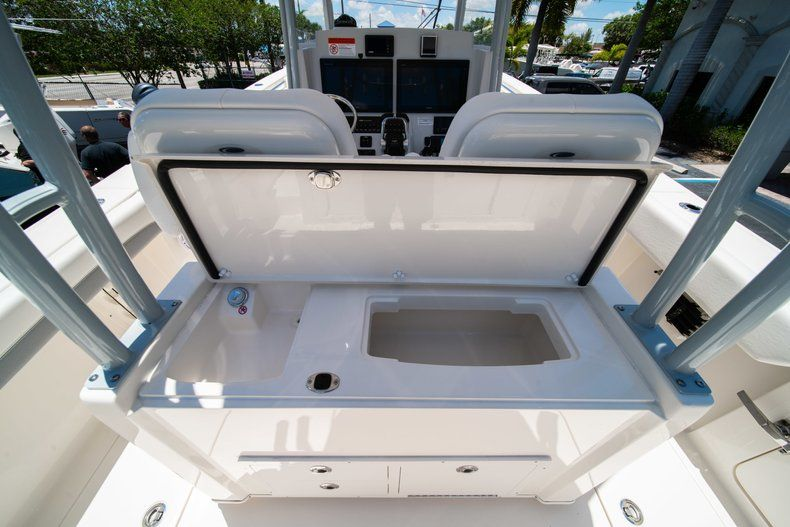 Thumbnail 14 for New 2019 Cobia 320 Center Console boat for sale in West Palm Beach, FL