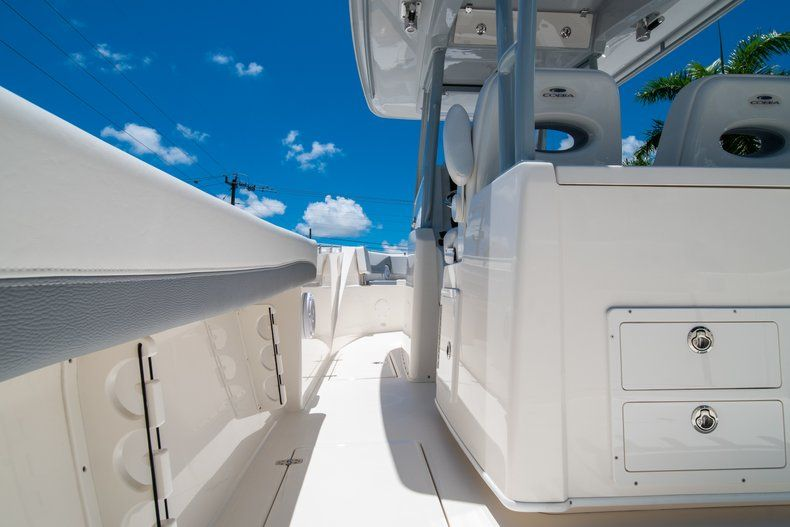 Thumbnail 17 for New 2019 Cobia 320 Center Console boat for sale in West Palm Beach, FL