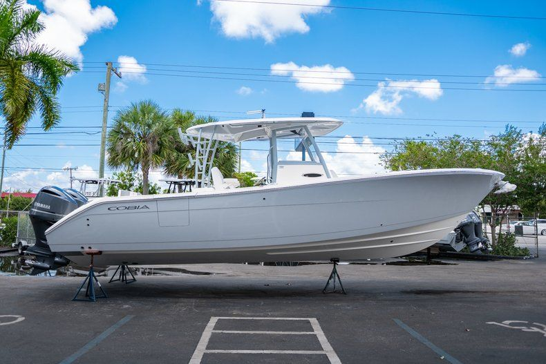 Thumbnail 4 for New 2019 Cobia 320 Center Console boat for sale in West Palm Beach, FL