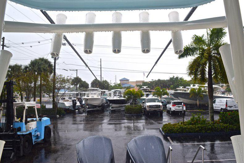 Thumbnail 43 for New 2019 Cobia 301 CC Center Console boat for sale in Miami, FL