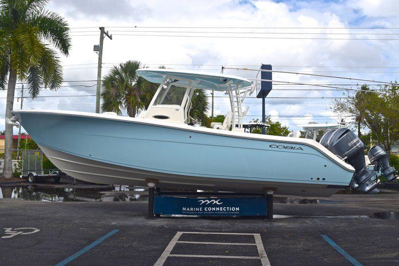 Thumbnail 5 for New 2019 Cobia 301 CC Center Console boat for sale in Miami, FL