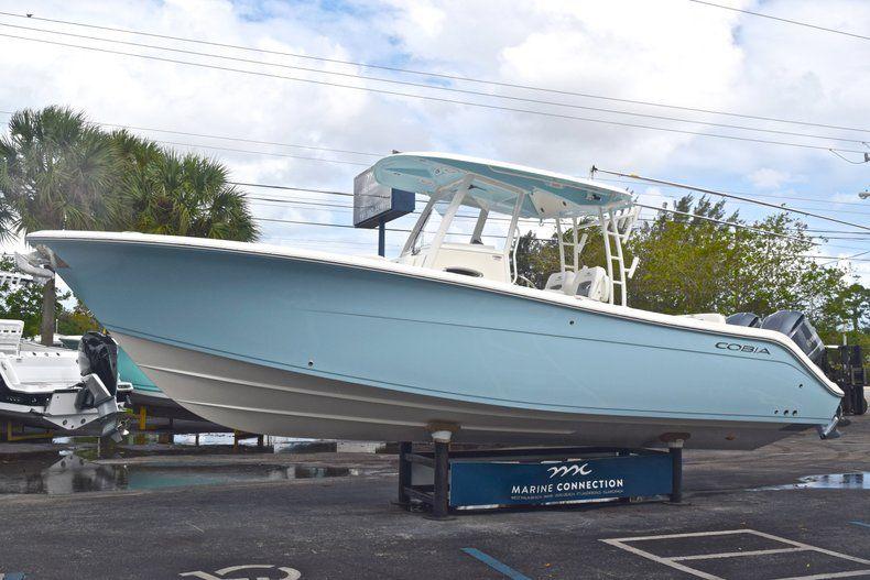Thumbnail 4 for New 2019 Cobia 301 CC Center Console boat for sale in Miami, FL