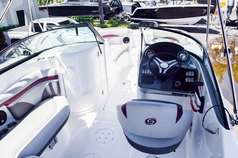Thumbnail 9 for New 2019 Hurricane 2000 boat for sale in West Palm Beach, FL
