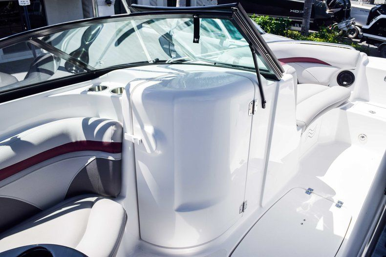 Thumbnail 24 for New 2019 Hurricane 2000 boat for sale in West Palm Beach, FL