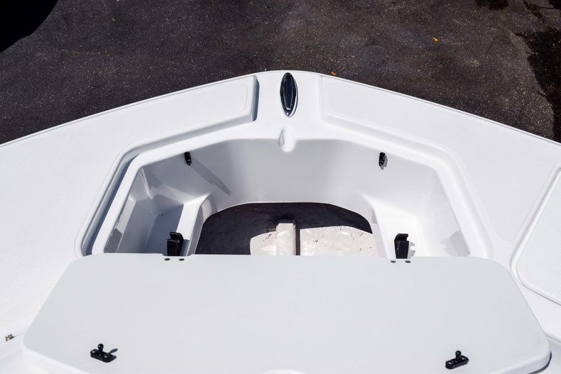 Thumbnail 37 for New 2019 Hurricane SunDeck SD 2000 OB boat for sale in West Palm Beach, FL