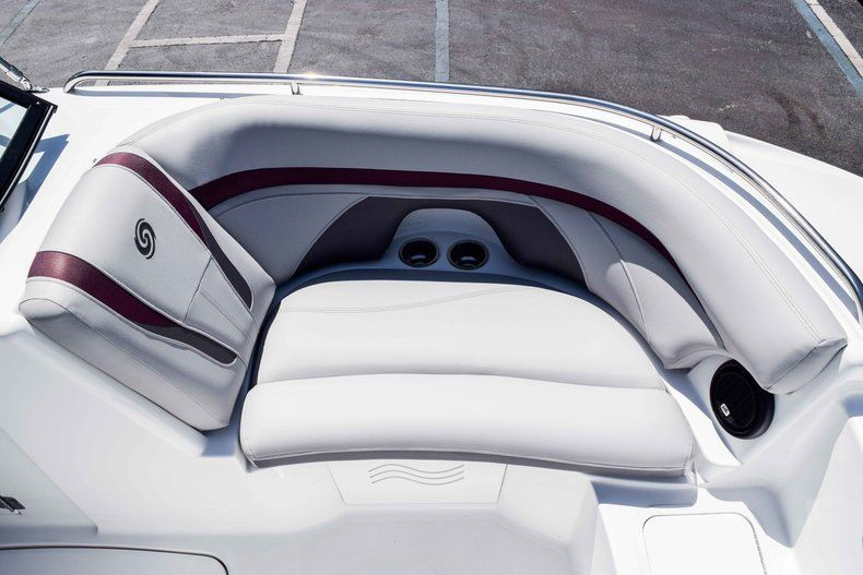 Thumbnail 32 for New 2019 Hurricane SunDeck SD 2000 OB boat for sale in West Palm Beach, FL