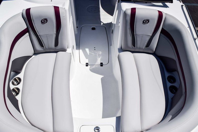 Thumbnail 40 for New 2019 Hurricane 2000 boat for sale in West Palm Beach, FL