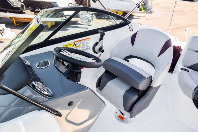 Thumbnail 44 for New 2019 Hurricane 2000 boat for sale in West Palm Beach, FL