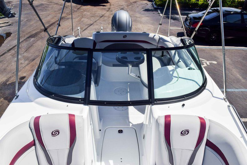 Thumbnail 42 for New 2019 Hurricane SunDeck SD 2000 OB boat for sale in West Palm Beach, FL