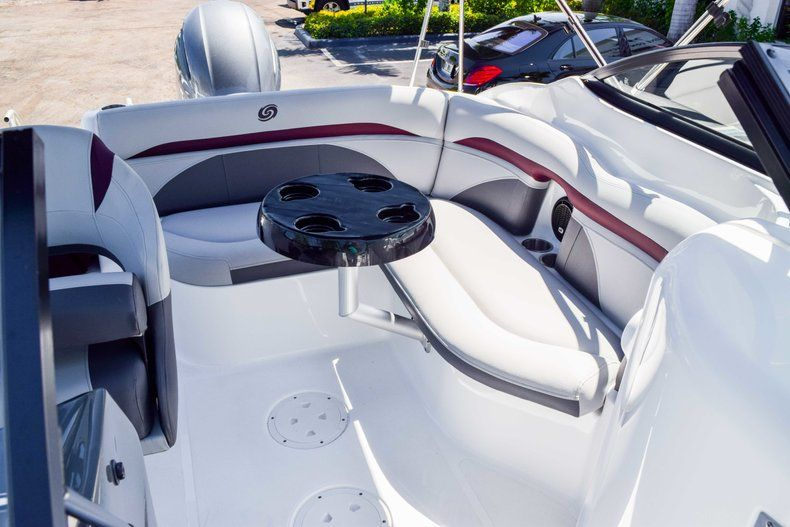 Thumbnail 43 for New 2019 Hurricane 2000 boat for sale in West Palm Beach, FL