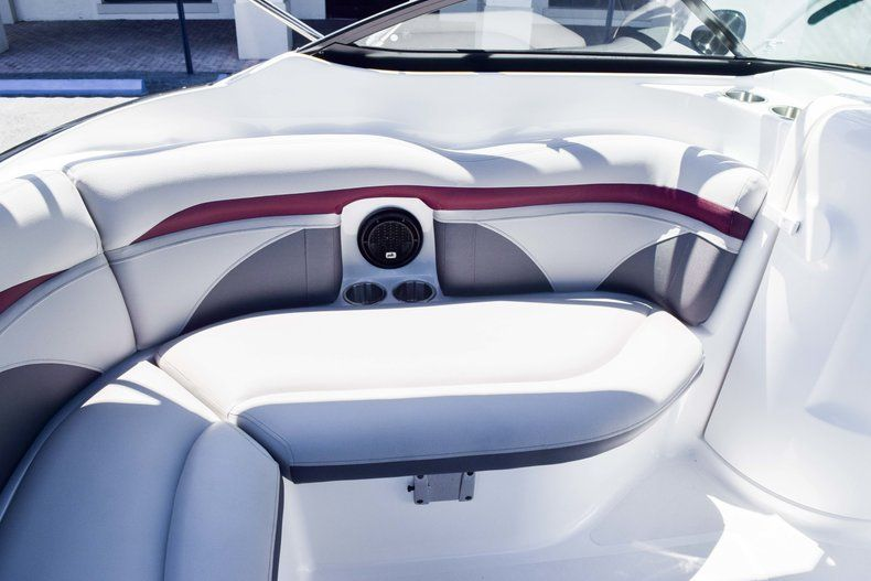 Thumbnail 52 for New 2019 Hurricane SunDeck SD 2000 OB boat for sale in West Palm Beach, FL